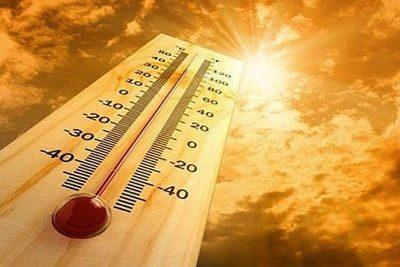 Nắng nóng trên 40 độ C, chỉ số UV ở Hà Nội, TP.HCM, Đà Nẵng ở mức nguy hại rất cao.
