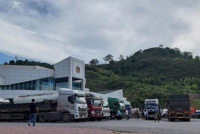 Dấu hiệu vi phạm trong việc nhập khẩu nước tăng lực Red Bull qua cửa khẩu Quốc tế Cầu Treo