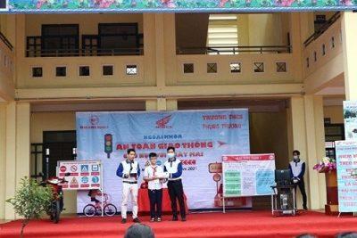 Honda Hùng Mạnh 7 tuyên truyền giao thông cho học sinh tại Phúc Thọ