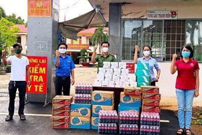 """Lan tỏa trách nhiệm xã hội, cộng đồng nữ doanh nhân Bình Phước cùng thanh niên """"tiếp lửa"""" các tuyến đầu chống dịch"""